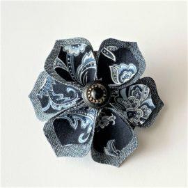 Barrette fleur bleue