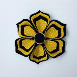 Barrette fleur noire et moutarde